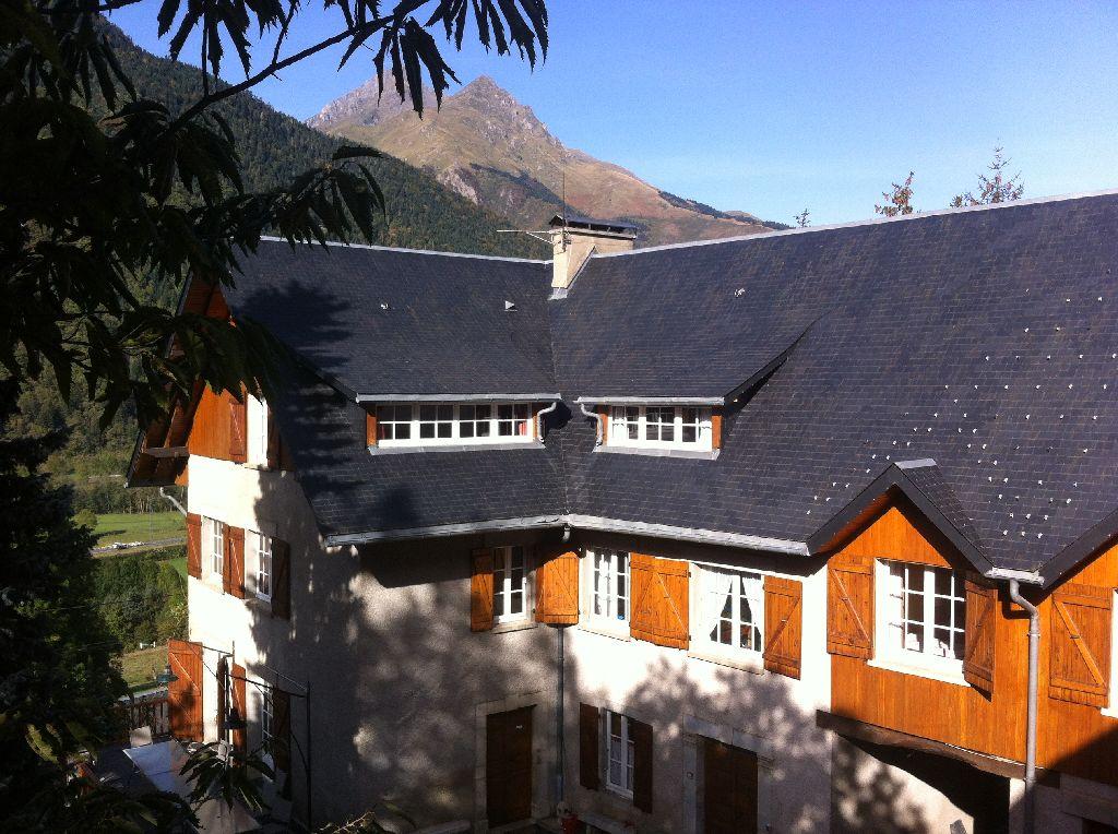 exterieur-ensemble-maison1 Les Terrasses de Saubissan : location de chalet et gite de groupe à Saint Lary Soulan (Hautes-Pyrénées)